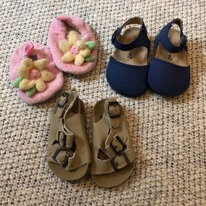 Girls lot of shoes, size 1